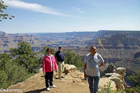 Charly, Christa und mein Vater am Grand Canyon